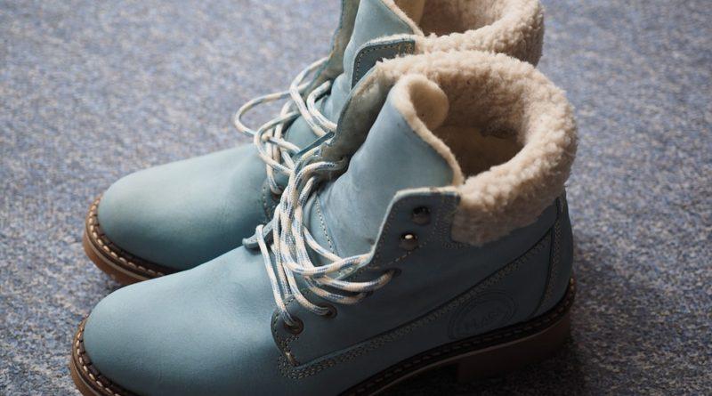 5bcd1648f5 Vyberajte si členkové topánky podľa typu postavy - Magazín o móde a ...