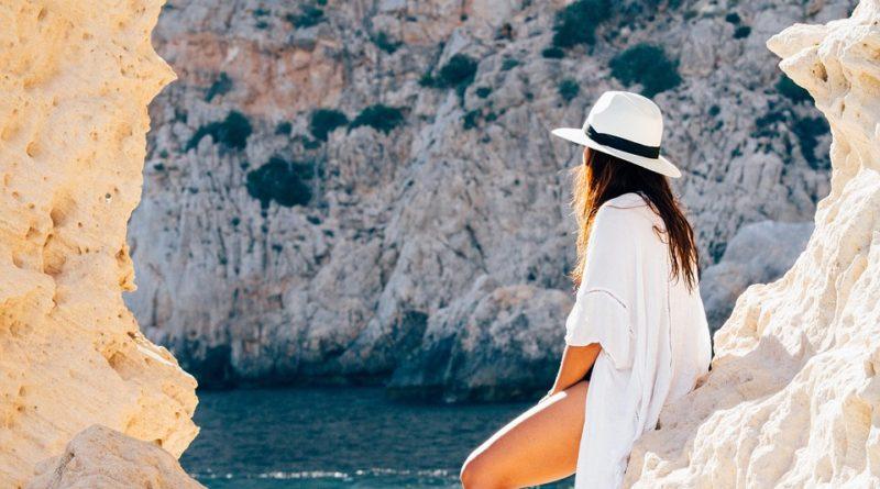 Dovolenka pri mori sa blíži. Čo znosíte a v čom zároveň budete in?