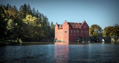 Päť českých hradov a zámkov, ktoré nezabudnite počas sezóny navštíviť